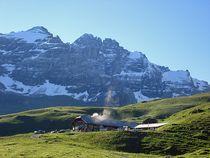 Alphütte Bundläger vorm Gspaltenhorn