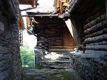 Walserhäuser in Alpenzu Grande