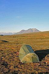Zeltplatz am Luohppen mit Blick auf die Áhkka