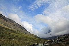 Wolken ziehen durch das Láddjuvággi