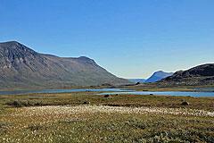 Blick über die Seen Miesákjávri und Áhpparjávri