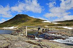 Sommerbrücke über den Kvenno