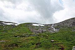 Kleiner Wasserfall des Helvtaråna