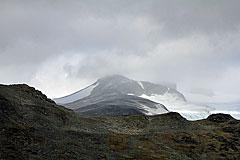 Der Gipfel des Galdhøpiggen liegt in den Wolken