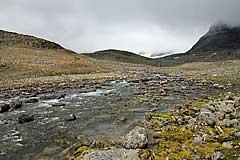 Furt eines Nebenfluss des Bálgatjåhkå