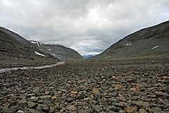 Abstieg von der Passhöhe ins Álggavágge