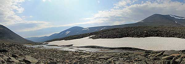 Blick von der Passhöhe ins Vallevágge